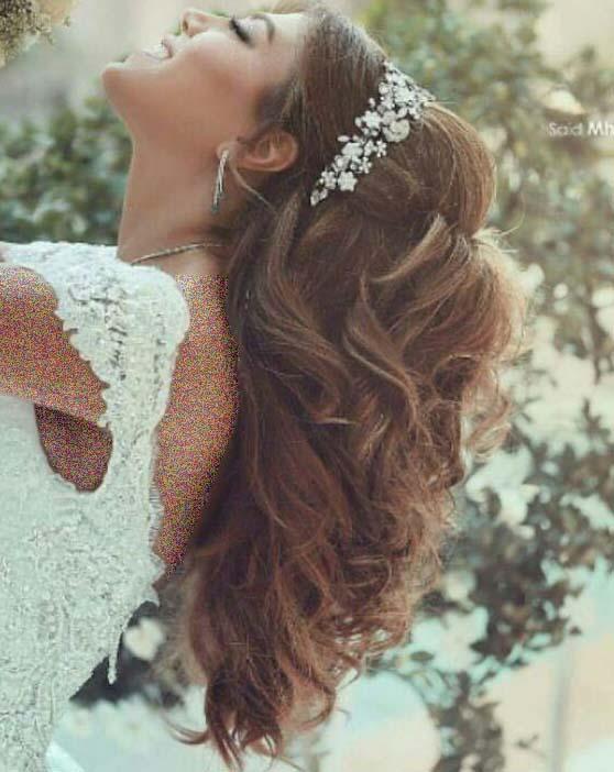 بلند کردن موی عروس در شب عروسی با اکستنشن مصنوعی مو